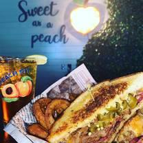 photo of peach pit - tuscaloosa restaurant