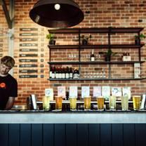 foto de restaurante cheeky monkey brewing co