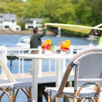 photo of the boathouse at saugatuck rowing club restaurant