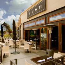 photo of rush street restaurant
