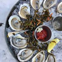 foto von lucas local oyster bar woodfire cookery restaurant