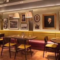 photo of henry's palm beach restaurant