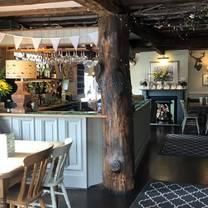 photo of the royal oak restaurant