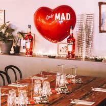 photo of mad pizza e bar surry hills restaurant