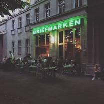 foto von briefmarken weine restaurant