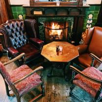 photo of queen adelaide restaurant