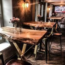 photo of alexanders restaurant