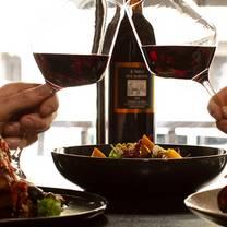 foto von spencer & co wine bar provedore restaurant