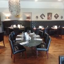 foto von the chequers matching green restaurant