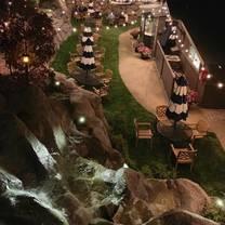 photo of blue lake tavern restaurant