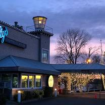photo of salty's on the columbia restaurant
