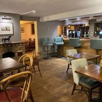 photo of the teddington hands restaurant