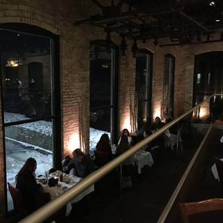 Fratellos Riverfront Restaurant