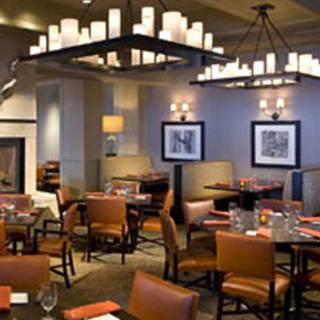 8100 Mountainside Bar & Grill