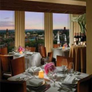 John Davenport's at the Top of the Park - Omni New Haven