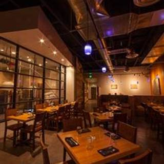 Avenues Proper Restaurant & Publick House