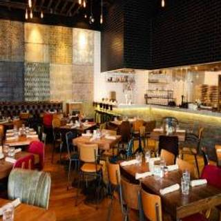 14 Restaurants Available Nearby