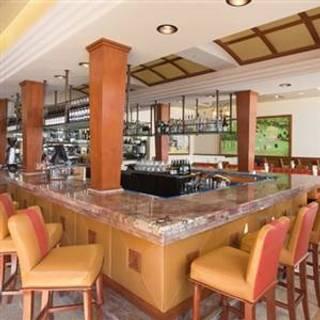 Cafe la Rue - La Valencia Hotel