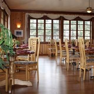 Raven's Restaurant - Stanford Inn by the Sea