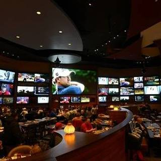Bobby V's Restaurant & Sports Bar