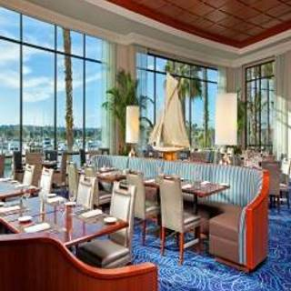 6 Restaurants Available Nearby Harbor S Edge Sheraton San