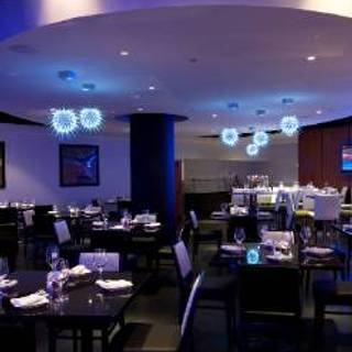 Trio Restaurant And Bar Novotel Toronto North York