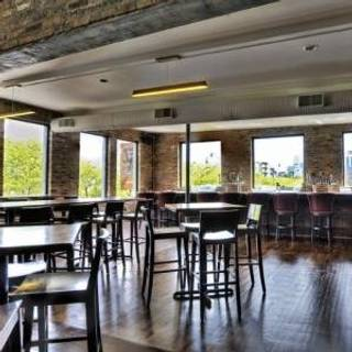 Bar louie oakbrook terrace restaurant oakbrook terrace for Terrace cafe opentable