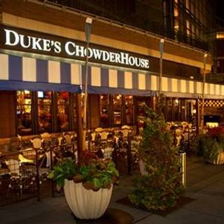 Duke's Seafood & Chowder - Southcenter