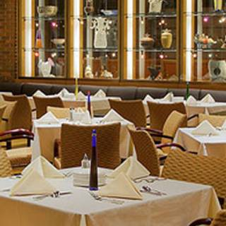 Piazza - The Hyatt Lodge at McDonald's Campus