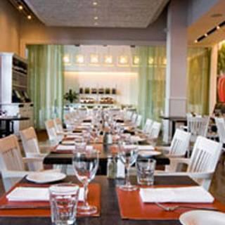 Oliver & Bonacini Cafe Grill, Oakville Place