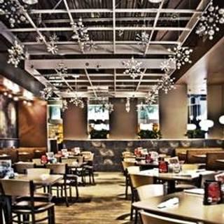 Arni's Restaurant River Ridge