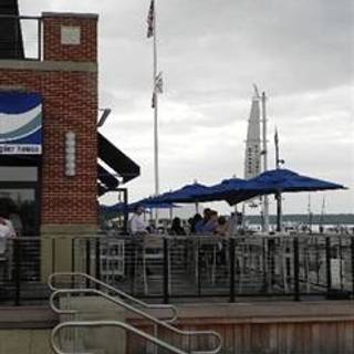 McLoone's Pier House - National Harbor