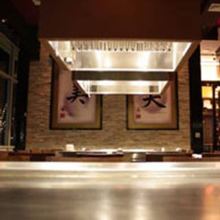 Feng Asian Bistro and Lounge