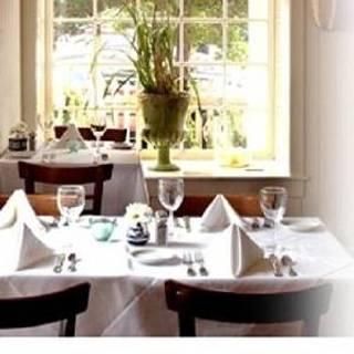 211 Clover Lane Restaurant