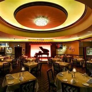 Lorenzou0027s Restaurant, Bar U0026 Caberet   Hilton Garden ...