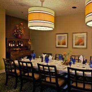 Trofi Restaurant - Doubletree by Hilton Kansas City - Overland Park