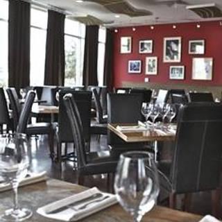 Flour and Vine Restaurant & Wine Bar