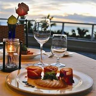 Cj 39 s on the bay restaurante marco island fl opentable for Open table seasons 52 naples