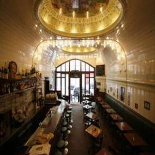 Cafe Paris - Saal