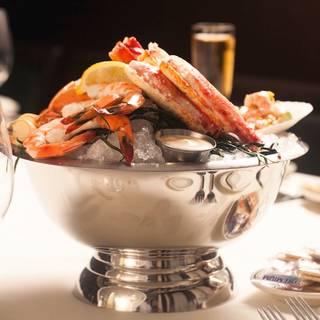Joe 39 s seafood prime steak stone crab las vegas for Table 52 chicago dress code