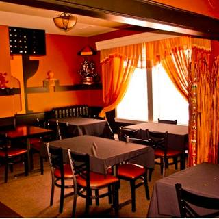 Bistro india restaurant edmonton ab opentable for Best private dining rooms edmonton
