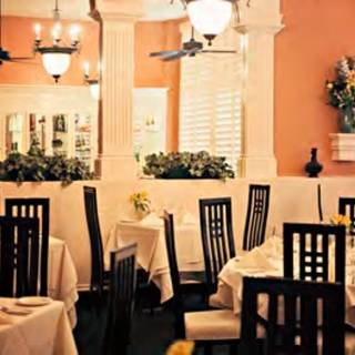 Valentino 39 s ristorante west end restaurant nashville for Best private dining rooms west end