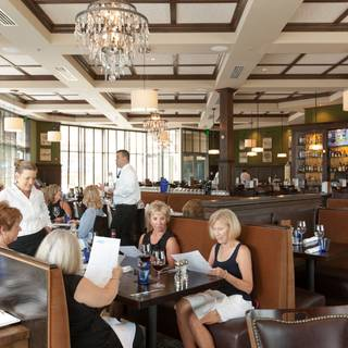 912 kansas city kansas restaurants dining opentable for Opentable seasons 52 kansas city