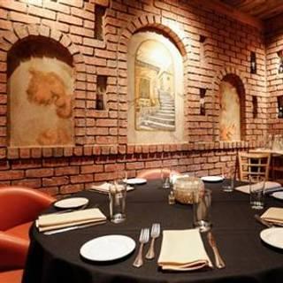 Arooji's Wine Room - Ballantyne
