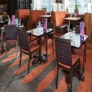 Café Bar & Grill