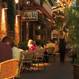 Va de Vi Bistro & Wine Bar