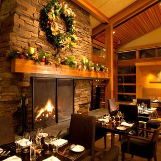Copperleaf Restaurant at Cedarbrook Lodge, Seattle, WA