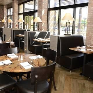R Bar & Grill Arlington