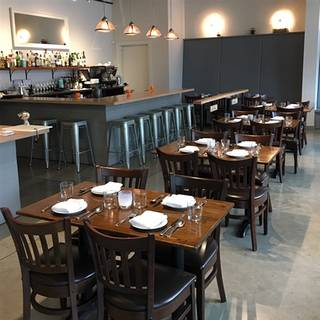 vendemmia - Restaurant Dining Room Furniture