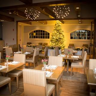 Woodnotes Grille at Emerson Resort & Spa